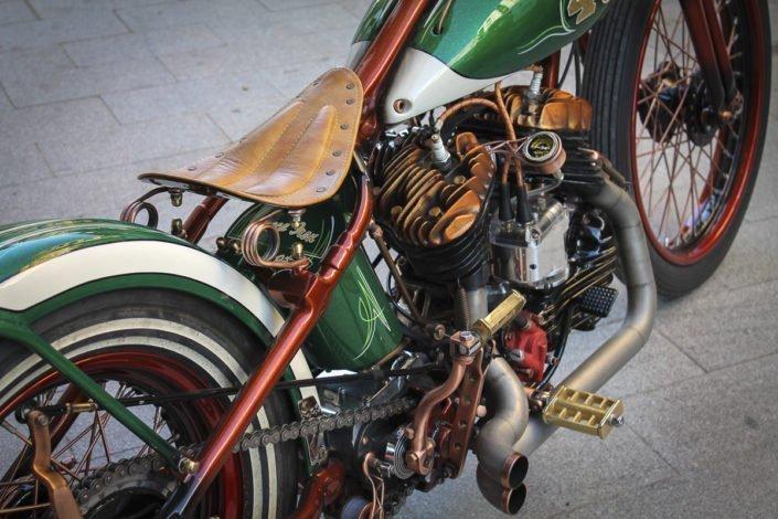 materiales asiento motos